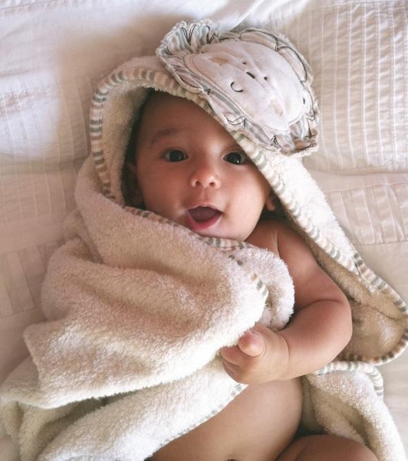 Конверт для новорожденного с капюшоном